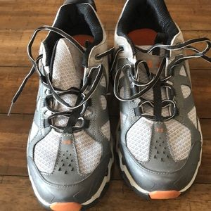 Under armour men's shoes barely worn